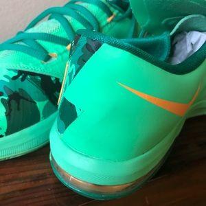 Nike Shoes - Nike KD 6 Easter